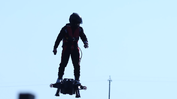 Flyboard Air di Zapata Racing: un hoverboard in grado di volare